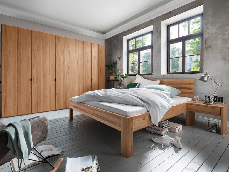 Kleiderschrank Massivholz Bett Nachttisch
